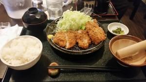 ヒレカツ定食 800円@まんぶう