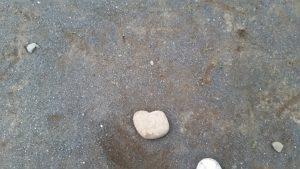 祈り後のハートの石